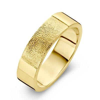 True ring i guld